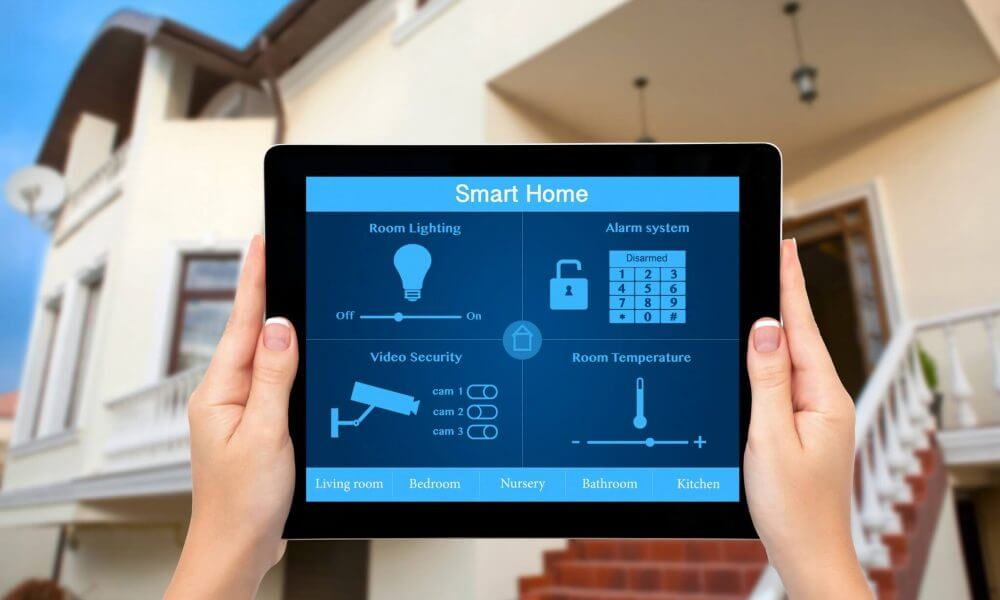 """Modern Home Technology smart houses technology what is a """"smart home""""? 